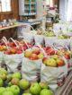 Rayon fruits et légumes supermarché