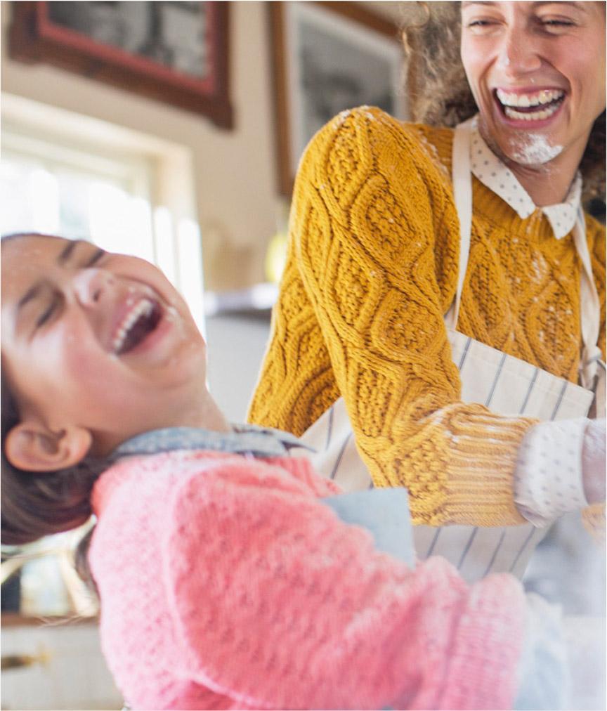 Photo cuisine mère et fille Miogo Boulanger